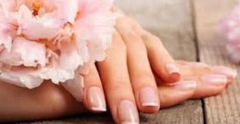 Welke manicure is het beste voor jouw nagels