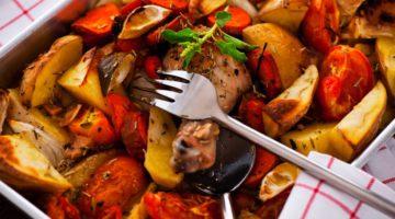 RECEPT: Ovengroenten met kip en zoete aardappel!